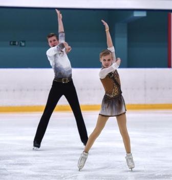Ekaterina-PETUSHKOVA-Evgenij-MALIKOV